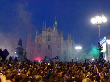 Duomo Milano - Finale partita Champions League Inter VS Bayer Monaco